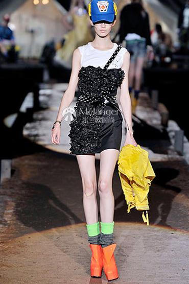 必学:如何把普通服装搭配出大牌感?